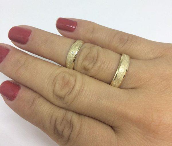 Par de Alianças Diamantada + Polido Ouro 18k 1